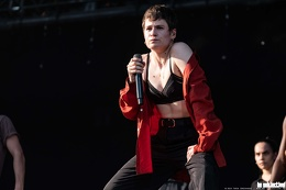 20190623 ChristineandtheQueens 13 bs TheaDrexhage