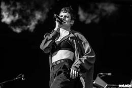 20190623 ChristineandtheQueens 16 bs TheaDrexhage